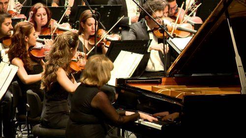 Ünlü Türk Piyanistler, Piyanist İDİL BİRET Kimdir. Hayatı - Özgeçmişi Piyano Konser Görüntüsü