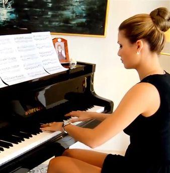 3-super-piyano-pianist-music-muzikler-genc-piyanist-akustik-piyanolari-piano-nedir-bilgi-sozluk-piyanosu-kuyruklu-guzel-musical-instrument
