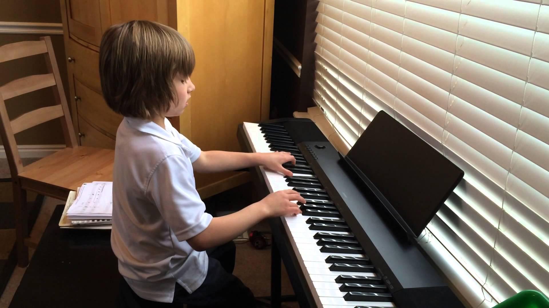 Portatif Taşınabilir Seyyar Piyano Elektro Dijital Digital Klavye Özel Ders Kurslar Öğretmen Okulu Hoca Öğretmen Çalgı Enstrümanı Giriş Piyanosu Çalgı çal