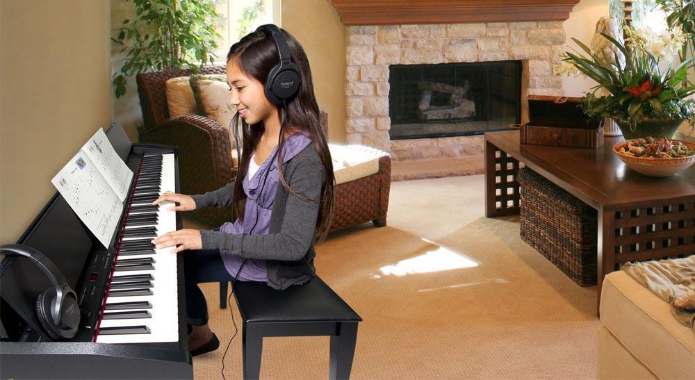 Kulaklık Silent Sessiz Akustik Çocuk Piyano Elektro Dijital Music Klasik Müzikler Bilgiler Çalgı Enstrümanı Piyanosu Çal Nedir Bilgi Piyanist Piyanolar Konseri Dinle Çal