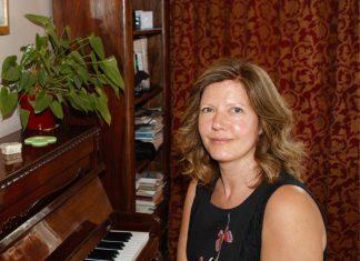Müzik Piyano Kursları Dersleri Hoca Okulu Konservatuavar Konser çalma Piyanist çalgı Enstrümanı Piano Yaşlı Yetişkin Dersleri Öğretmen Eğitimi