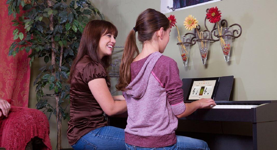 Küçük Çocuk Piyano Dersi Eğitimi Nasıl Olmalıdır. Dikkat Edilecek Konular. PianoMüzik Eğitimi Başlangıcı Esasları Ve Hedefi. Çocuk özel Ders Kurd Okul