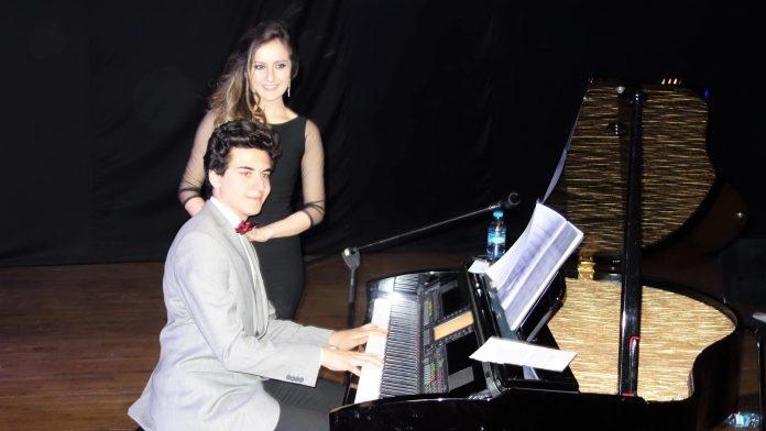 Genç Besteci Güneş Yakartepe. 2020 En Yeni Bestesi 2019 Son Çıkan Türküler Şarkılar Güzel Müzik Kompozisyon Eser New Young Music Composer. Piyano Konseri Akustik Dinleti 2