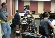 Piyano Nedir Ve Müzik Enstrümanları Bilgileri Music Müzikler Genç Piyanist Akustik Piyanoları Piano Bilgi Konser Prova Poz Enstümanları Çalgısı Alet Resim Tuş Tuşlar Orkestra